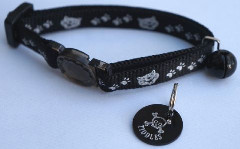 PERSONALISED SKULL & CROSSBONES CAT TAG REFLECTIVE BLACK SAFETY RELEASE SNAP BU